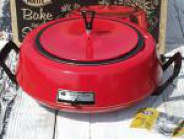 Poppy orange red Mirro Matic bake and serve electric casserole, mod vintage