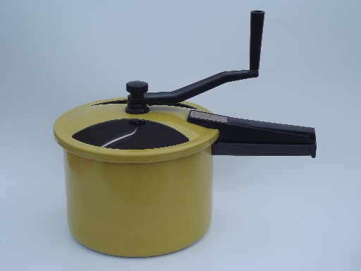 Presto Mix n Knead hand crank bread dough mixer pan, retro 70s vintage