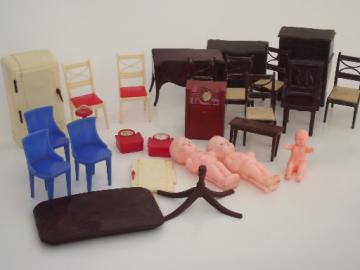 Renwal plastic dollhouse furniture lot, vintage celluloid doll house dolls