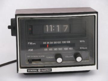 Retro 1970s flip number vintage GE alarm clock AM/FM radio with rotating digits