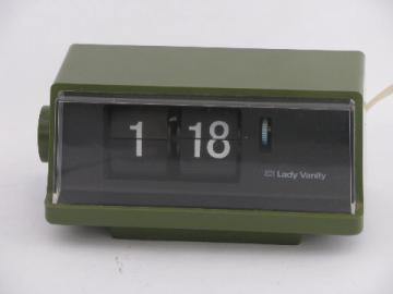 Retro 1970s vintage green flip number desk or bedside clock, Japan