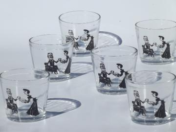 Retro 40s cartoon print glasses, vintage Hazel Atlas drinking glass set
