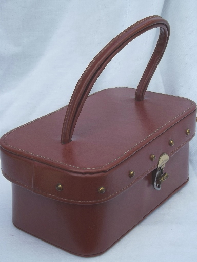 Retro 60s 70s box bag purse, vintage camera or train case handbag