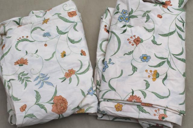Retro 70s 80s Vintage Flowered Print Bed Sheets