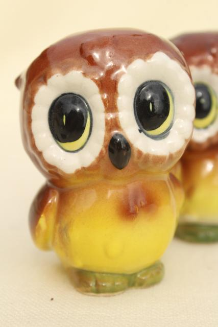 retro 70s owls, vintage Japan ceramic S&P shakers, wide eyed baby owlets