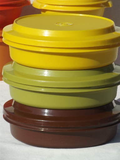 Retro 70s Tupperware containers & tumblers in harvest gold ...