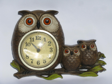 Retro 70s Vintage Burwood Plastic Kitchen Wall Clock Owl