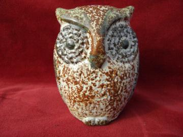 Retro 70s vintage ceramic owl bank, hand-painted spongeware pottery