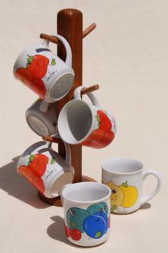 retro 70s vintage mug tree rack w/ Nancy Lynn smiling fruit coffee mugs