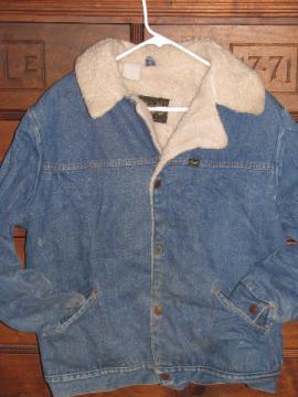 Retro 70s vintage Wrangler western wear rancher's coat, denim jacket w/ sherpa pile