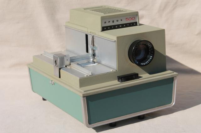 how to use a slide projector