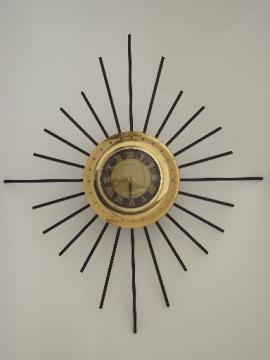 Retro atomic starburst wall clock with 8 day movement vintage mid-century