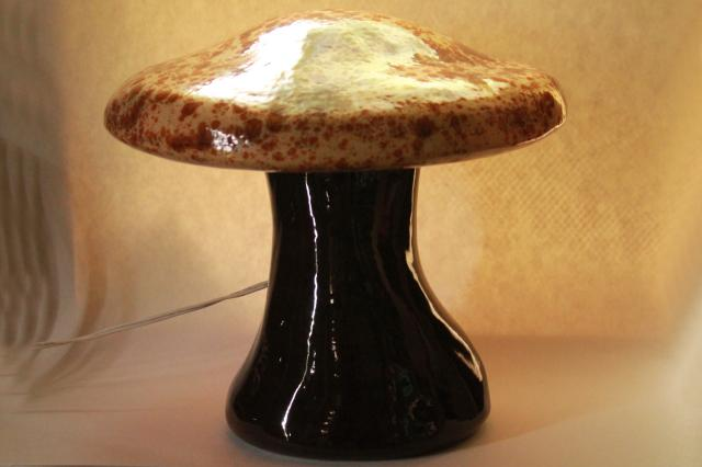 retro ceramic mushroom TV lamp mood light, large lighted toadstool 70s vintage