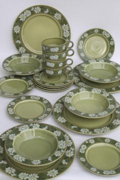 retro daisies 60s vintage dinnerware set for 4, flor del sol Granada ironstone