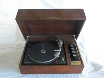 Retro danish modern vintage Garrard phonograph turntable w/solid teak case