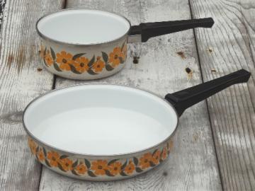 Retro enamelware sauce pan & skillet, brown eyed susan gold daisies