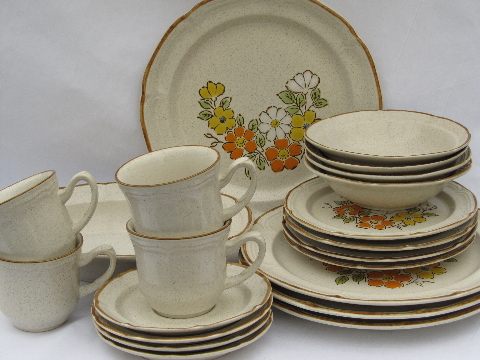 Retro flowers, Spring Garden Hearthside Japan stoneware, set for 4
