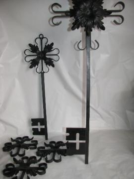 Retro gothic vintage black iron flower / key wall hangings for spanish castle!