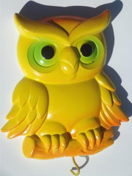 Retro happy owl chalkware  wall hook - a necklace holder or key board