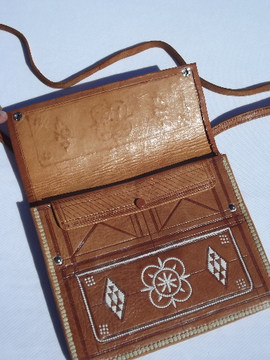 how to clean leather bag in hindi