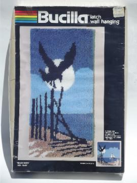 Retro latch hook wall hanging kit, beach scene w/ gull, sand dunes