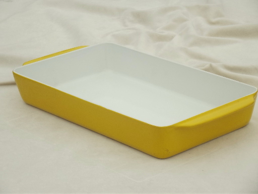 Retro Lax Copco Denmark cast iron enamel baking pan / roaster in yellow
