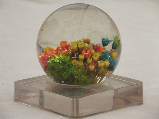Retro lucite paperweight w dried flowers floral vintage 1969 mightylinksfo