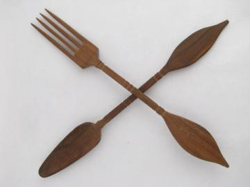 Retro tiki 60s mod vintage wood salad servers, carved mahogany fork & spoon
