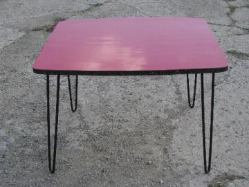 Retro vintage 1960s, red cracked ice occasional side table w/hair pin legs