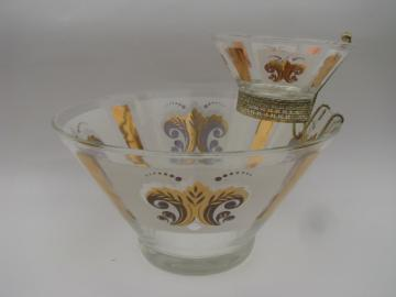 Retro vintage 60s glass chip and dip set, french fleur de lis print bowls