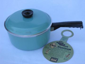 Retro vintage aqua-turquoise Club aluminum cookware, 2 qt sauce pan