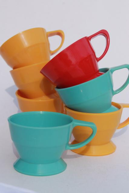 retro vintage colored plastic cup holders w/ handles for