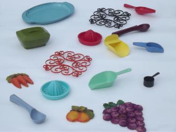 Retro vintage kitchenware lot, bright plastic kitchen utensils & wall art