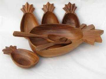 Retro vintage tropical wood salad bowls set, Hawaiian pineapple shape