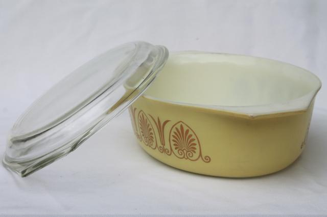 retro yellow & gold vintage Pyrex golden classic large oval casserole w/ warming stand & lid