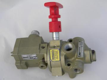 Ross industrial solenoid operated compressed air valve 2773A3939
