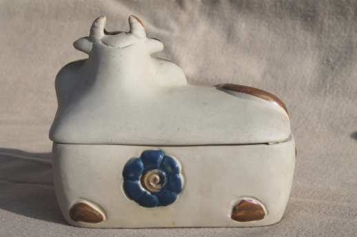rustic vintage pottery cow butter dish or jam pot 70s 80s japan stoneware. Black Bedroom Furniture Sets. Home Design Ideas