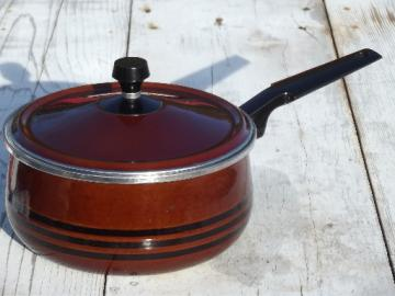 Scandia West Bend vintage enamel pot, large saute sauce pan w/ lid