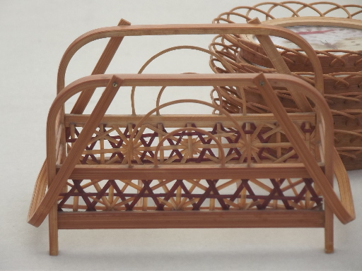 Set rattan coasters w/ butterfies, retro 60s vintage coasters w/ rack