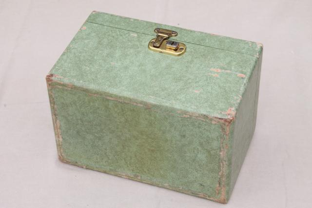 shabby pretty 50s 60s vintage turquoise blue train case, small box bag suitcase