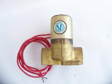 Skinner brass solenoid valve, 120vac model #R2D X10, never used