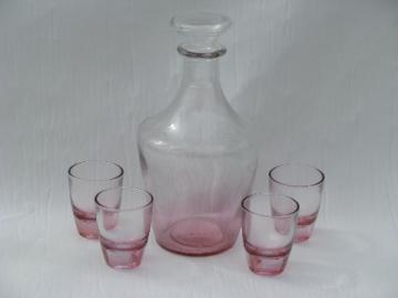 Small rose-pink glass decanter / shot glasses set