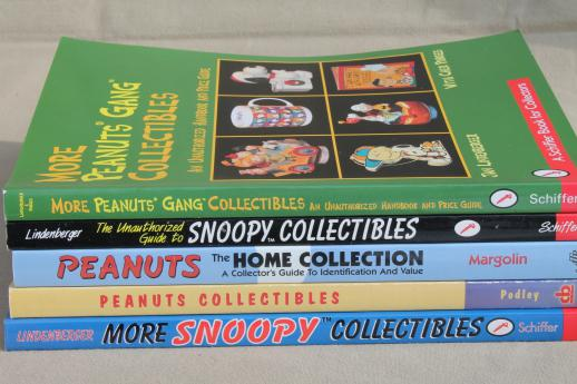 Snoopy / Peanuts gang collectibles guide books for collectors, tons of color photos!