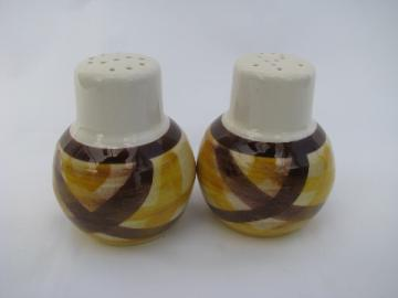 Vernon Kilns vintage Organdie yellow/brown plaid pottery S & P shakers