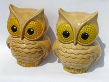 Vintage 70s retro handmade ceramic owls, mod big-eyed owl pair