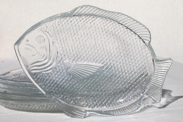 Vintage arcoroc french glass poisson fish shaped plates for Fish shaped plates