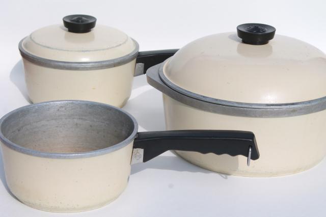 Vintage Club Aluminum Cookware Ivory Color Pot And Sauce Pans