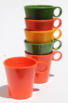 vintage Deka plastic coffee mugs, ring handle cups in retro avocado green, orange, harvest gold