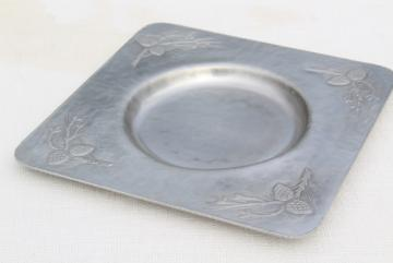 vintage Everlast hand forged hammered aluminum, pine cones square platter for casserole bowl