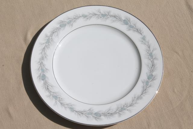 Vintage Fine China Japan Style House Duchess Blue Pine & Service For 8 Dinnerware Sets - Castrophotos